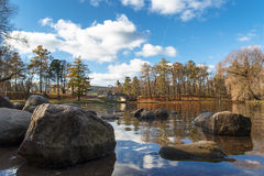 18 Oktober 2014, Gatchina, Ryssland Beloye sjön, Dvortsovyy parkerar, höstlandskapet Royaltyfria Foton