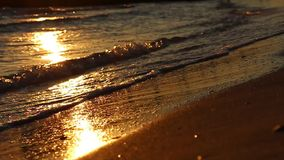 Oktober 2016 goldener Sonnenuntergang in dem Meer stock video footage