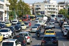 05 OKTOBER 2010 het Bezige verkeer van ATHENE, GRIEKENLAND in Athene stock afbeeldingen