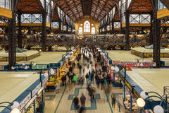 18 OKTOBER 2016 Mensen in de Centrale Markt Boedapest, Hongarije Royalty-vrije Stock Foto