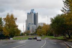 Oktober 2017, Moskva, Ryssland Byggnadsfossila bränslenföretaget Gazprom från bageribiljettprisen Fotografering för Bildbyråer