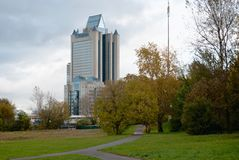 Oktober 2017, Moskva, Ryssland Byggnadsfossila bränslenföretaget Gazprom från bageribiljettprisen Royaltyfri Bild