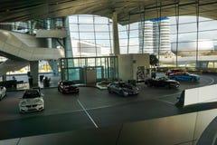 10 oktober 2017 Munchen, Duitsland Minuch BMW-museum binnen Sh Stock Fotografie
