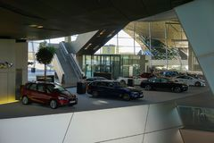 10 oktober 2017. Munchen, Germany. Minuch. BMW museum inside. Showroom with differernt cars Royalty Free Stock Photo