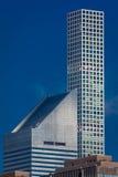 OKTOBER 24, 2016 - NEW YORK -423 Park Avenue, ritar det tunna tornet förbiser New York och Citi Corp byggnad, NY, NY - bostads- a Arkivbilder