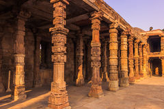 27 oktober, 2014: Ruïnes van Qutb Minar in New Delhi, India Royalty-vrije Stock Foto