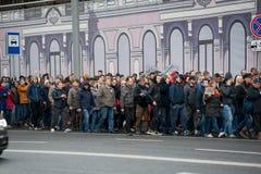 2017 - 7 OKTOBER, Rusland Moskou: menigte van Russische mensen Stock Fotografie