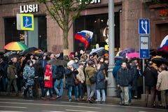 2017 - 7 OKTOBER, Rusland Moskou: mensen op protesten Stock Afbeeldingen