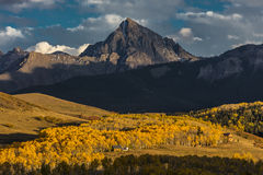 2. Oktober 2016 - San Juan Mountains In Autumn, nahe Ridgway Colorado - weg von Hastings MESA, Schotterweg zum Tellurid, Co Lizenzfreie Stockfotos