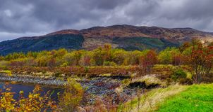 Oktober vind Glencoen, flodCoe dal Fotografering för Bildbyråer