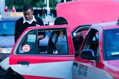 2. Oktober 2014: Washington, DC - Leute, die durch Verband reisen Stockbilder
