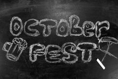 Oktoberfest надпись в меле на классн классном Стоковое Фото