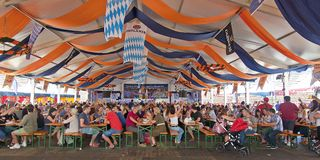 Oktoberfest en Valencia, España Foto de archivo