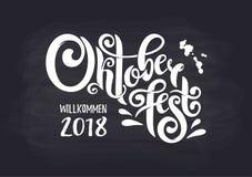 Oktoberfest handskriven bokstävertitelrad Logotyp för krita för design för vektor för Oktoberfest typografititel royaltyfri illustrationer