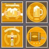 Oktoberfest-Plakat-gesetzter Festival-Feier-Symbol-Bier-Ikonen-stilvoller hölzerner Hintergrund-flache Design-Vektor-Illustration Stockbild