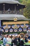 Oktoberfest w Angielskim ogródzie Obraz Stock