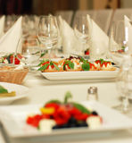 okularów do restauracji wina stołowego, Zdjęcia Stock