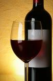 okulary butelek czerwonego wina zdjęcia stock