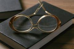okulary książkowi obrazy royalty free