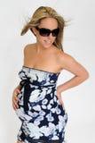 okulary przeciwsłoneczne ciężarna kobieta Obraz Stock