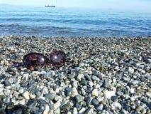 Okulary przeciwsłoneczne na plaży Zdjęcia Stock
