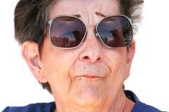 okulary przeciwsłoneczne stara kobieta obrazy stock