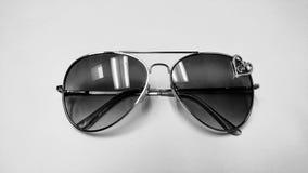 Okulary przeciwsłoneczni czarny i biały Zdjęcia Stock