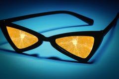 Okulary przeciwsłoneczni z obiektywami robić owoc: pomarańcze zamiast szkła Fotografia Royalty Free