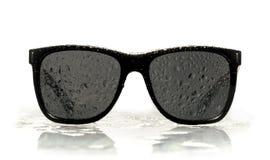 okulary przeciwsłoneczni wodne kropelki Obrazy Stock