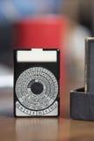 Okulistyczny photoexpeterometer retro na brown stole Zdjęcie Royalty Free