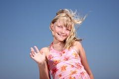 olá! de ondulação da menina feliz! Fotos de Stock