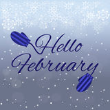 Olá! rotulação de fevereiro no fundo azul Fotografia de Stock Royalty Free