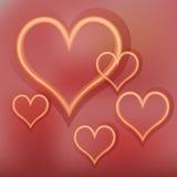 Olśniewający złociści serca na czerwonym tle Obraz Stock