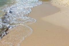 Ola oceánica en la playa Imagen de archivo libre de regalías