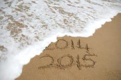 Ola oceánica que quita 2014 y dejar 201 imagen de archivo