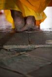 Olad pękał cieki mnich buddyjski fotografia royalty free