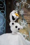 Olaf de congelado en el centro turístico de Hong-Kong Disneyland Fotos de archivo