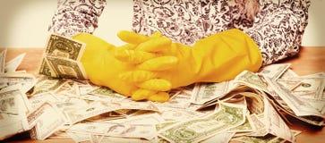 Olaglig kassa för penningtvätt, dollar räkning, skuggiga pengar, corru royaltyfri bild