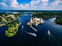 olavinlinna中世纪城堡鸟瞰图在萨翁林纳,芬兰 库存照片