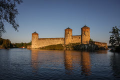 Olavinlinna城堡,萨翁林纳,芬兰,晚上光的 库存照片