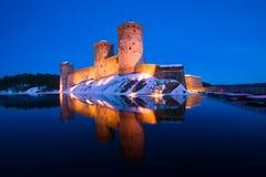 Olavinlinna堡垒在晚上3月 古老芬兰堡垒olavinlinna savonlinna日落 免版税库存照片