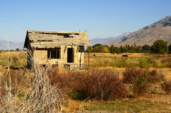 Old abandoned house. Abandoned old house in dry countryside Royalty Free Stock Photos