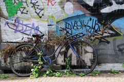 Old Amsterdam Bike. Abandoned old bike in the streets of Amsterdam, Holland Royalty Free Stock Photo
