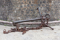Old anchor with chain Royalty Free Stock Images