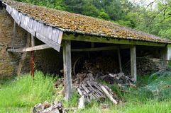 Old barn with wood in poor condition. Royalty Free Stock Photos