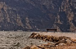 Old bench at the water Royalty Free Stock Photography