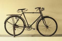 Free Old Bicycle Stock Photos - 46131313