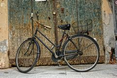 Old bicycle in Montevarchi, Italy. royalty free stock photos