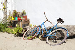 Old blue bike Royalty Free Stock Photography
