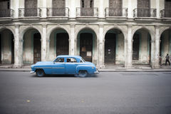 Old Blue Car Colonial Architecture Havana Royalty Free Stock Photography